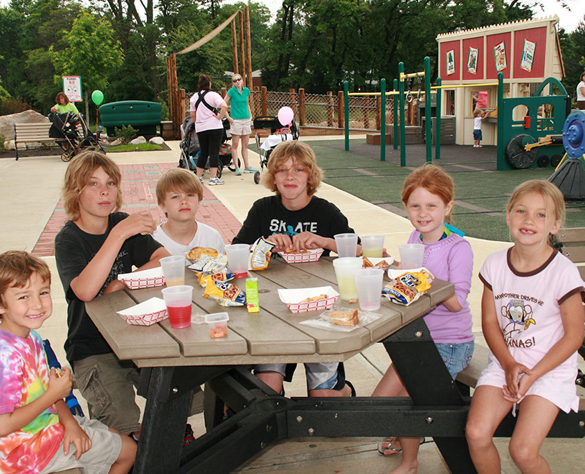 Beech Acres Park shelter an dall-children's playground