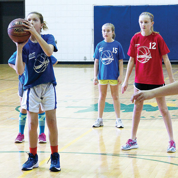 girls recreational basketball
