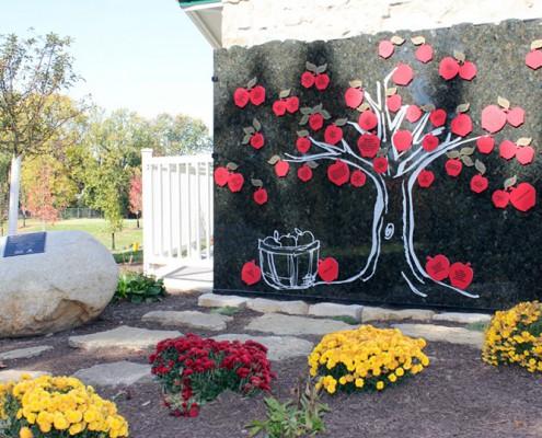 Juilfs Park tribute tree