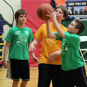 Boys recreational basketball leagues
