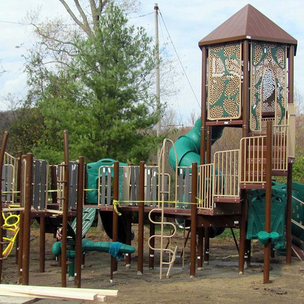 Riverside Park new play unit
