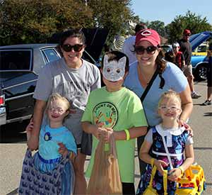 Trunk 'R Treat Fall Festival features classic cars, kids in costumes, games, prizes and candy